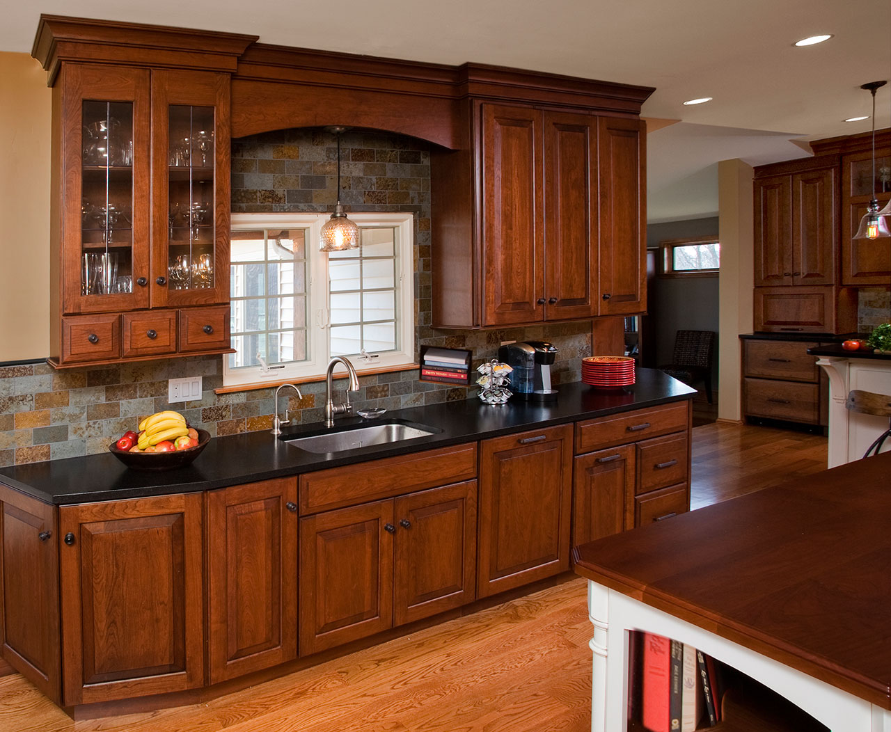 Traditional kitchens designs remodeling htrenovations for Traditional kitchen design